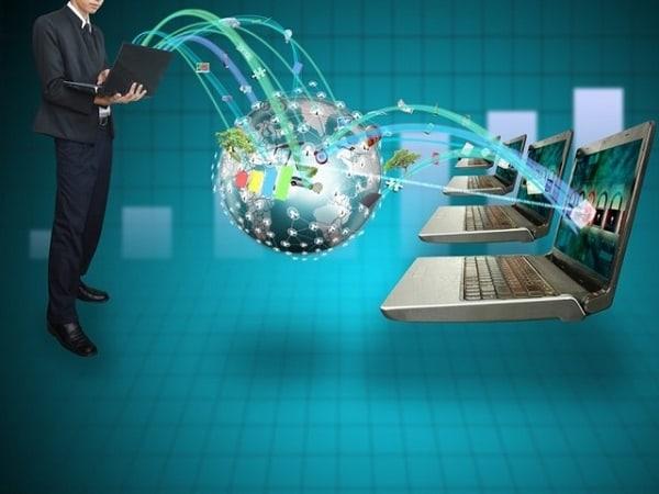 Sinh viên học Công nghệ thông tin