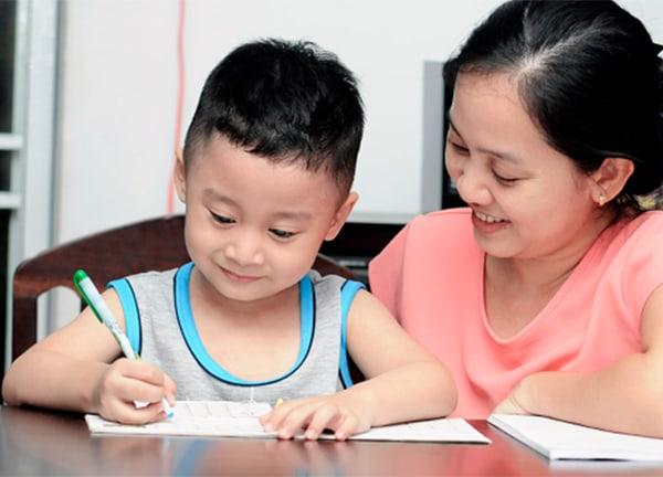 Thuận lợi và khó khăn khi làm gia sư cho học sinh tiểu học