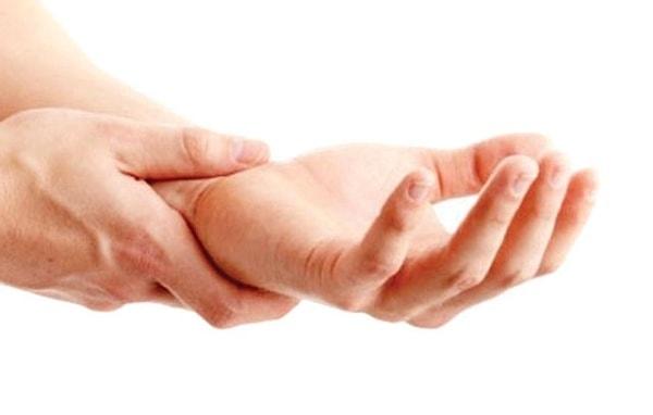 bệnh run vô căn và Parkinson 1