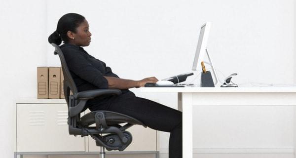Ghế văn phòng chống đau lưng giúp bạn tránh được các bệnh về cột sống