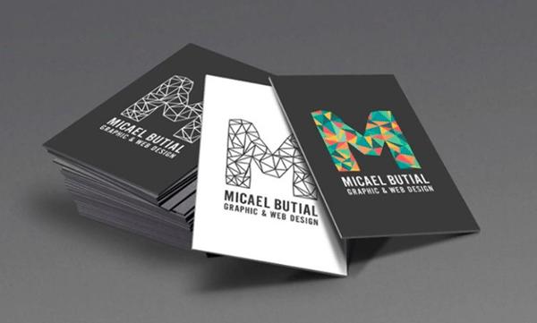Thiết kế card visit font chữ độc đáo và cỡ chữ lớn